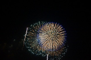 久里浜花火大会は風もそこそこの花火日和2014年